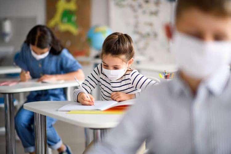 σχολεία μάσκες